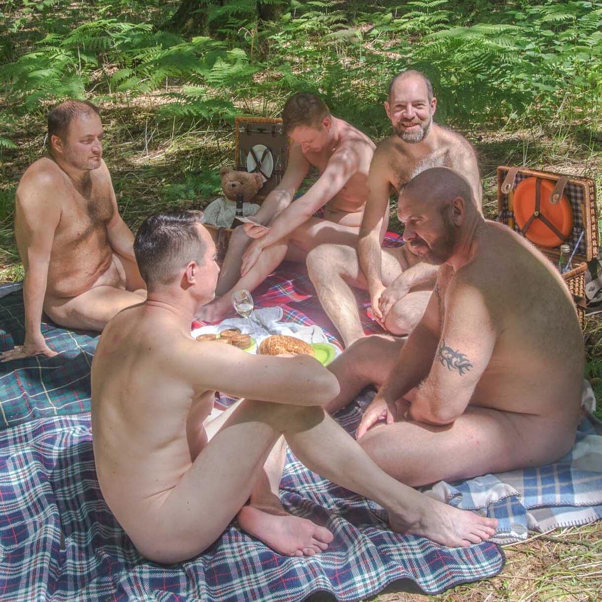 naked girl on trampoleens